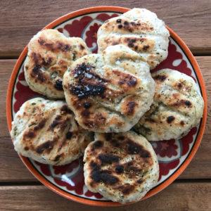Broodjes van de BBQ of tosti ijzer (3 ingrediënten!)