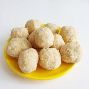 Cashewballetjes met citroen en gember