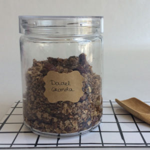 Dadel granola