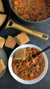 Koken met de pannen van GreenPan + recept: seitan stoofpot met cheezy cornbread met tijm