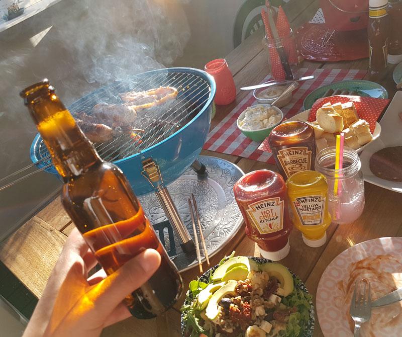 Er is altijd wel een reden om iets te vieren. What better way than with a bbq and beer? Cheers!