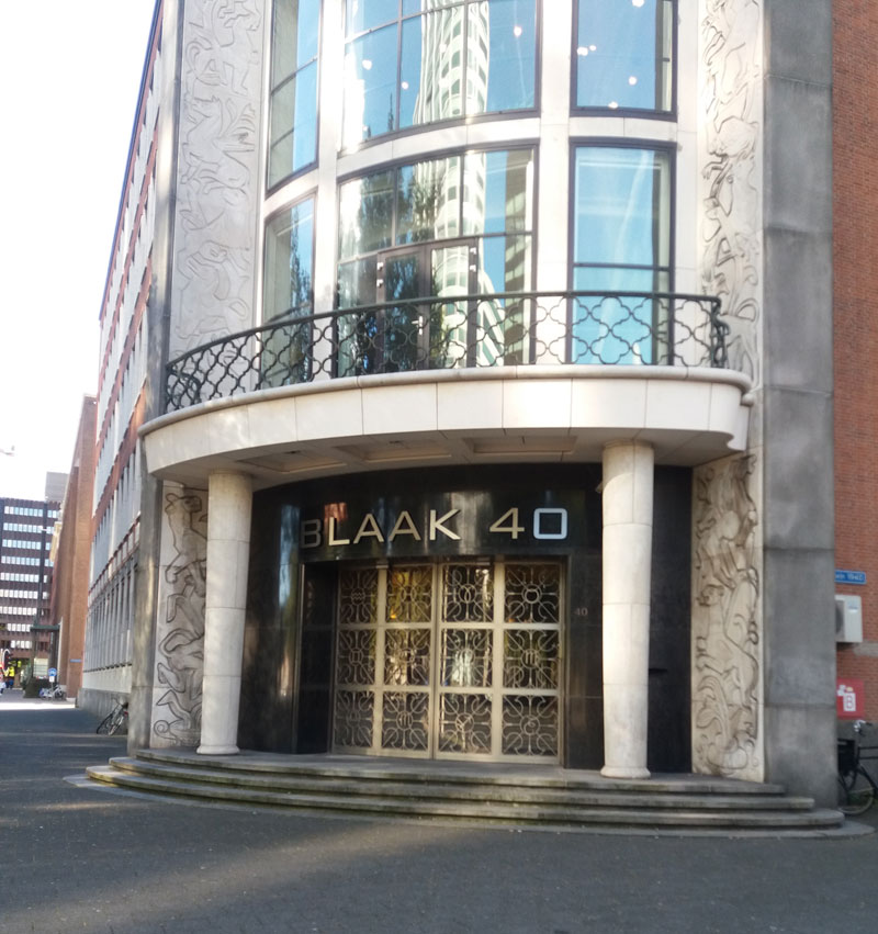 Het gebouw waarin de Kamer van Koophandel in Rotterdam is gevestigd