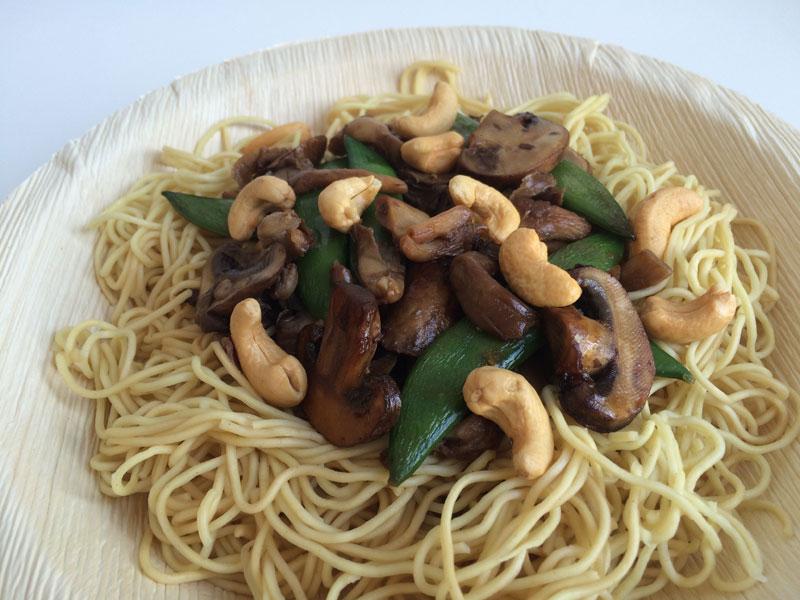 Mie met paddenstoelen en cashewnoten