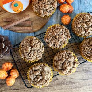 Pumpkin spice muffins met kruimeltopping - vegan en glutenvrij