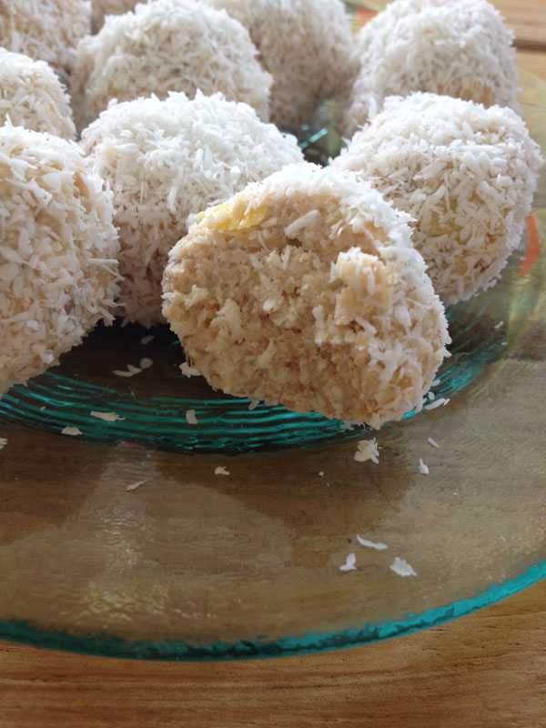 Raw coconut candy