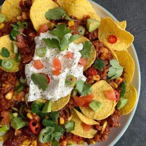 Chili sin carne nachos