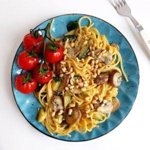 Spaghetti met kastanjechampignons en courgette