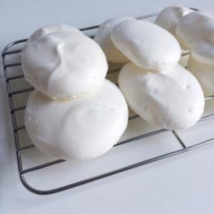 Vegan aquafaba meringues