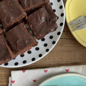 Vegan brownies met chocolade glazuur