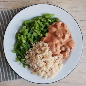 Vegan budget recept #3: stroganoff met snijbonen en rijst