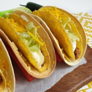 Vegan Fast Food Friday #22: cheesy gordita crunch
