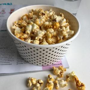 Vegan popcorn met kaassmaak