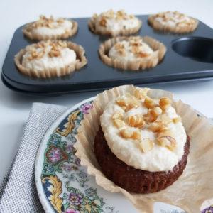 Worteltaart muffins met cashew room