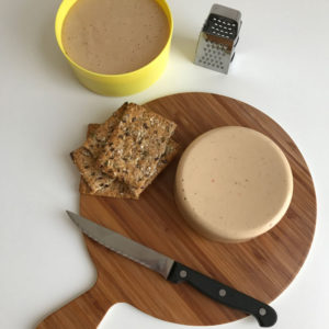 Zelf vegan kaas maken deel 3: supersnelle kaas